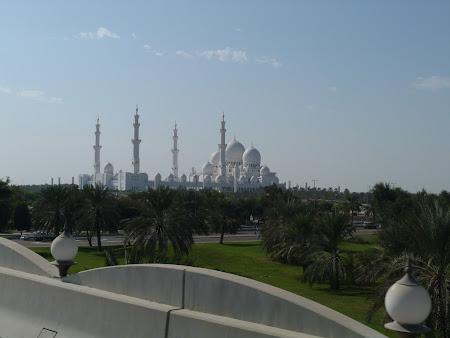 Obiective turistice Abu Dhabi: Moscheea Zayed