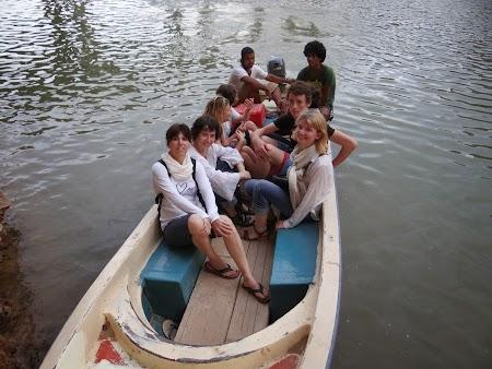 38. Transport la Wadi Shab.JPG