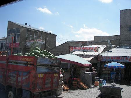 72. pepenii valuta forte in Kurdistan.JPG