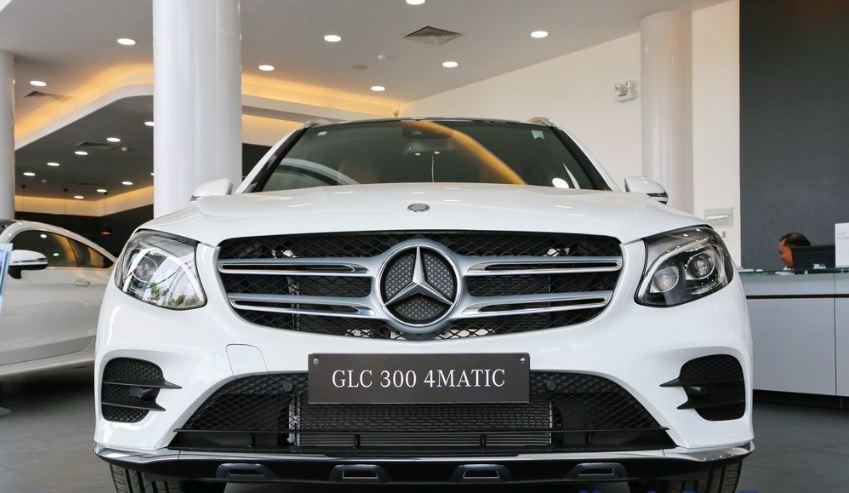 Xe Mercedes GLC 300 AMG màu trắng 06
