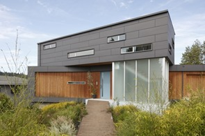 fachada-moderna-Casa-Ballard-Cut-Prentiss-Architects