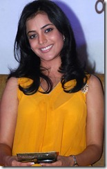 actress_nisha_agarwal_cute_still