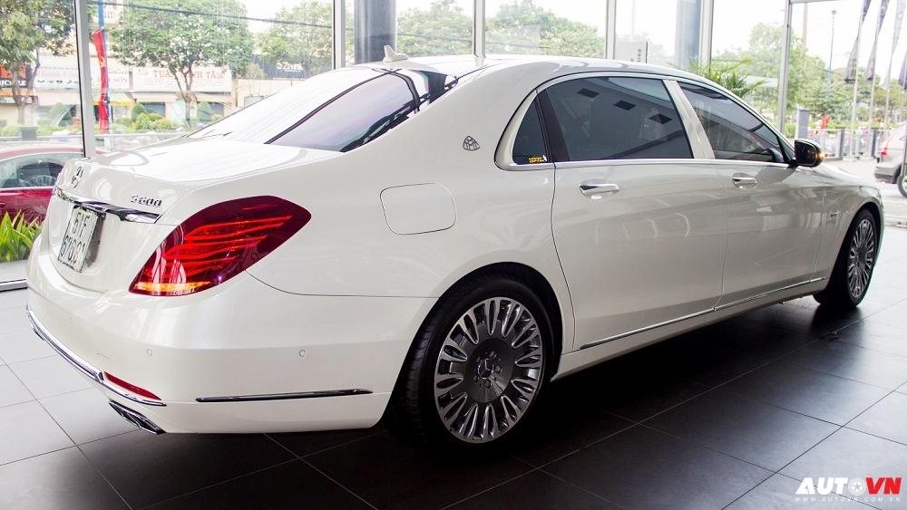 Xe Mercedes Benz S600 MAYBACH Màu Trắng 02