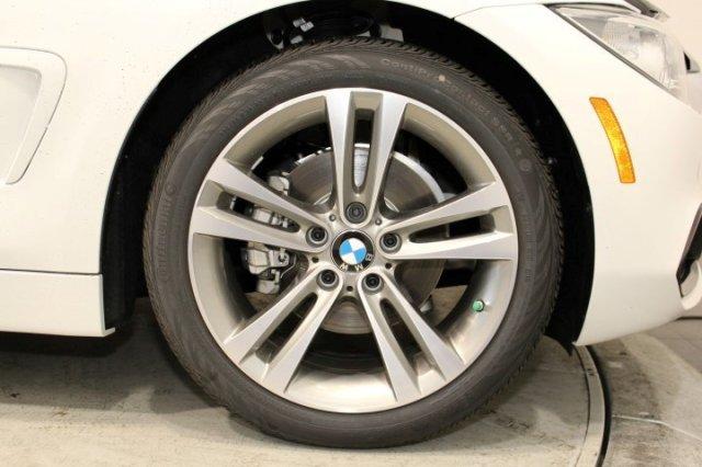 Xe BMW 420i Convertible new model 03