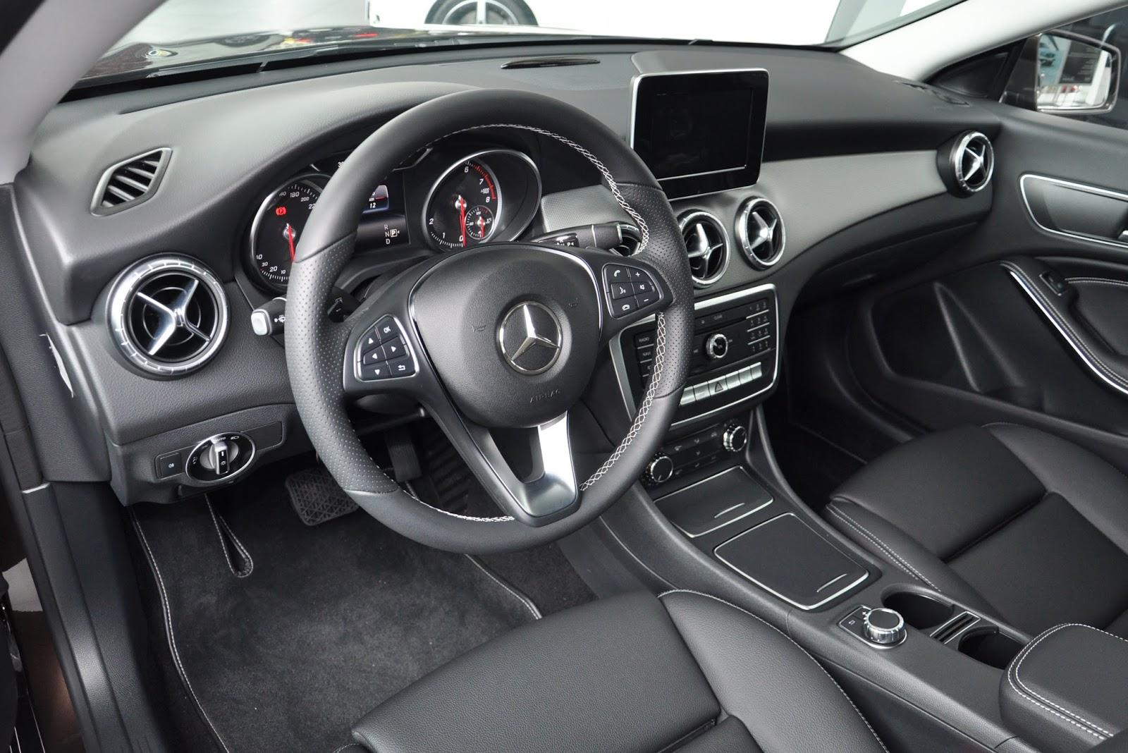 Nội thất xe Mercedes Benz CLA 200 New Model màu nâu 01