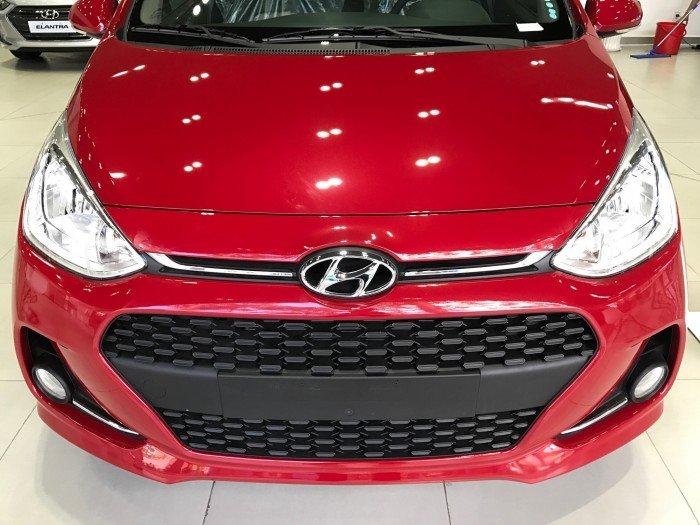 Xe ô tô Hyundai Grand i10 Nhập Khẩu màu đỏ 02