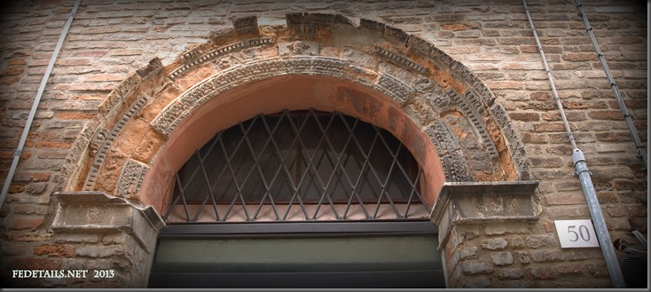 "Decorazione in ""cotto"" 3 , Ferrara, Emilia Romagna, Italia - Decoration in ""cooked"" 3, Ferrara, Emilia Romagna, Italy - Property and Copyrights of FEdetails.net"