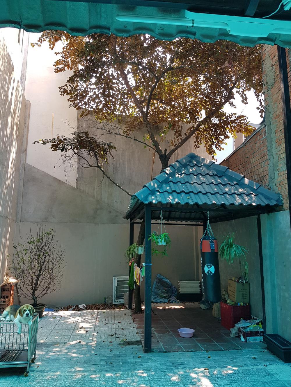 Nhà mặt tiền Đường Nguyễn Sơn 1 trệt 2 lầu và sân thượng trước sau 05