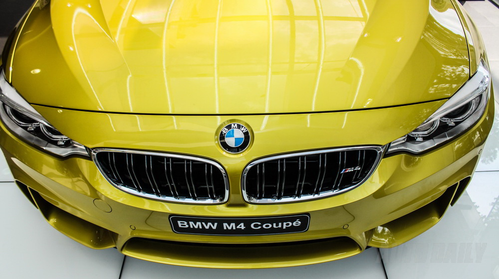 Xe BMW M4 Coupe 02
