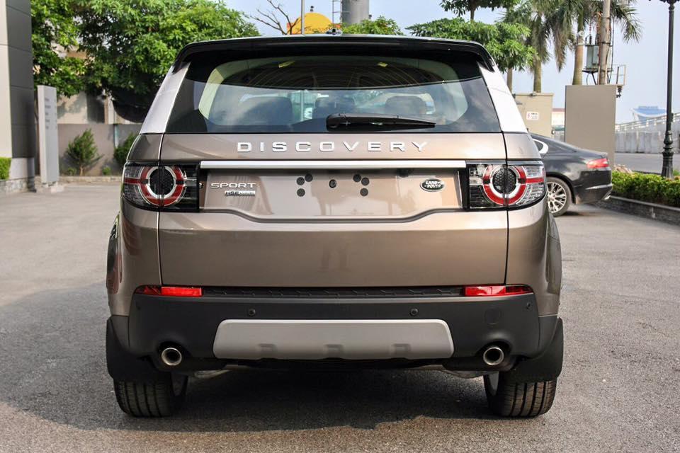 Xe Land Rover Discovery Sport màu vàng cát 06