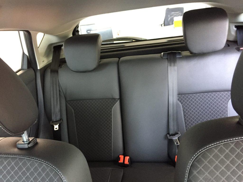 Nội thất xe Ford Fiesta 2018 màu xám 07