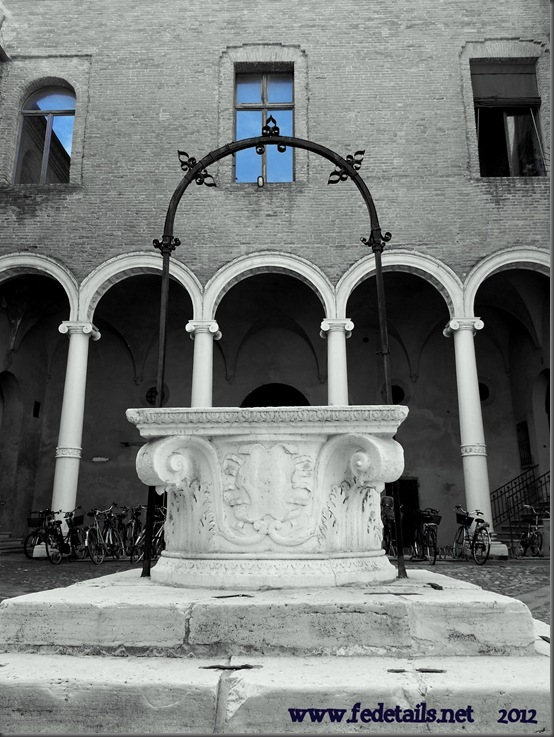 Black and white...and blue ! , Ferrara, Emiliaromagna, Italia - Black and white...and blue Ferrara, Emiliaromagna, Italy - Property and Copyright www.fedetails.net