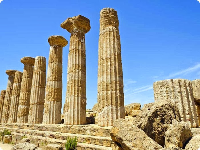 Agrigento_Temple-of-Heracles