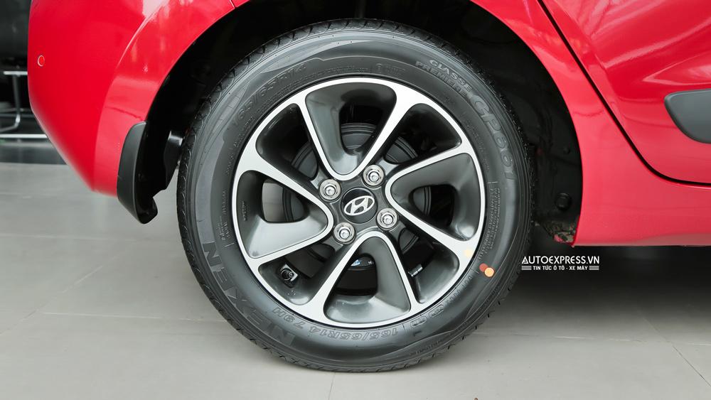 Xe Hyundai Grand i10 2018 màu đỏ 08
