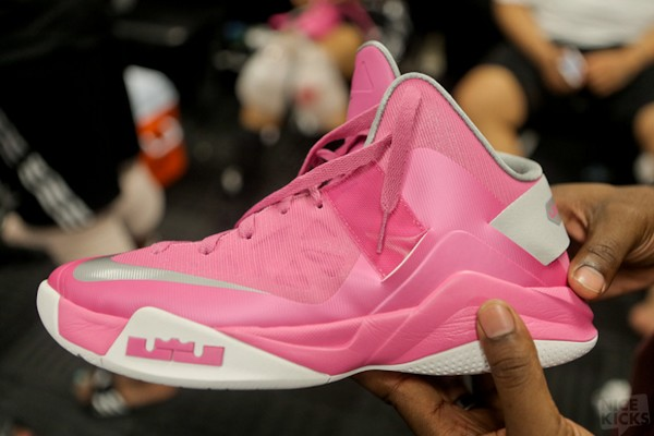 8bb4936bb514 ... Closer Look at Nike Zoom LeBron Soldier VI Think Pink ...