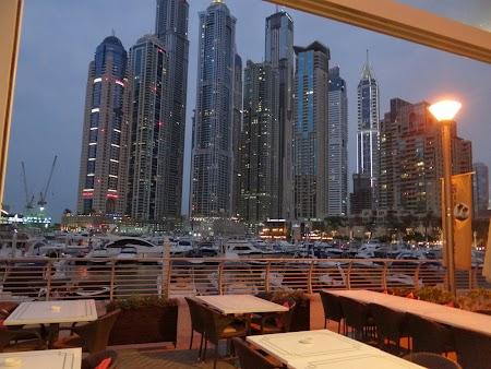 Dubai Marina seara