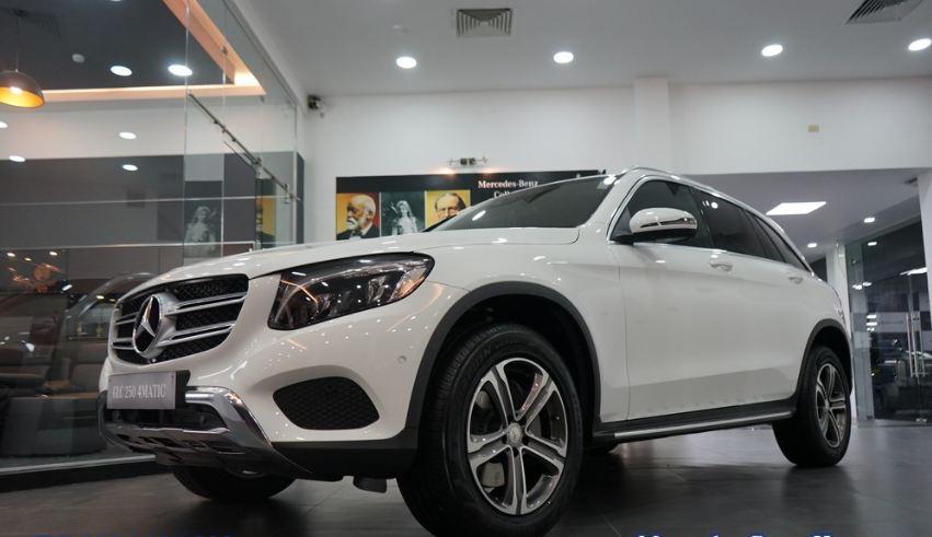 Xe Mercedes GLC 250 4Matic màu trắng 003