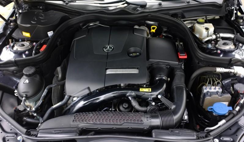 Nội thất xe Mercedes Benz E250 cũ màu xám 018