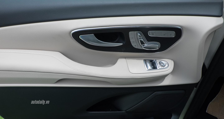 Nội thất xe Mercedes Benz V250 Avantgarde Máy Xăng màu trắng 09