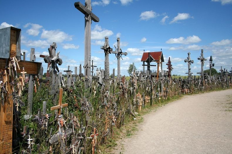 hill-of-crosses-6