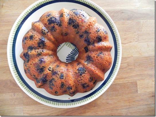 vegan-blueberry-lemon-bundt-cake-2