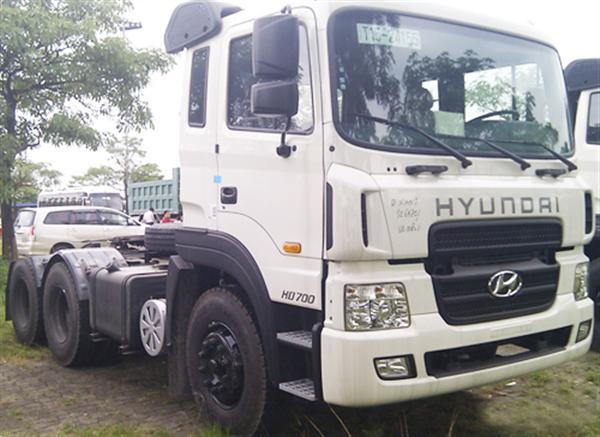 Xe đầu kéo Hyundai HD700
