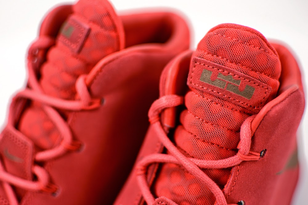 ... 8220Challenge Red8221 LeBron XII NSW Lifestyle Drops in Europe This  Week ... 00efadd7a