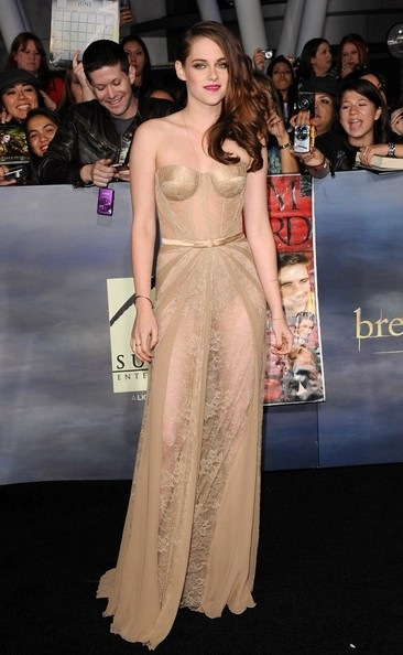 Kristen Stewart Twilight Saga Breaking Dawn