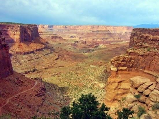 White-Rim-Road-no-Parque-Nacional-de-Canyonlands-Utah-EUA-