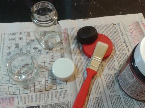DIY organizar vidros de conserva com tinta para lousa e giz