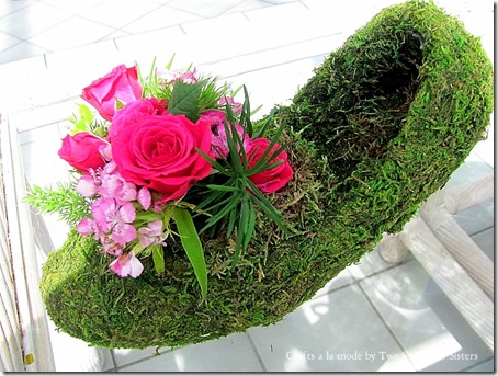 How To Make A Moss Shoe Flower Arrangement Crafts A La Mode