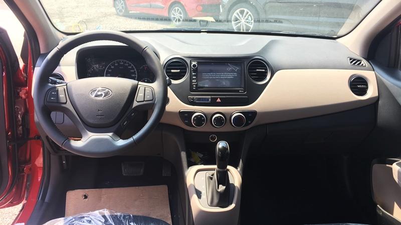 Nội thất xe ô tô Hyundai Grand i10 Nhập Khẩu màu trắng 02