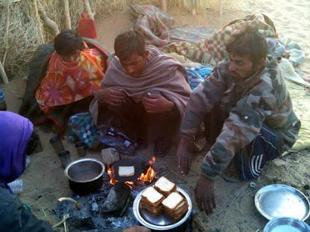 Mic dejun in desert India
