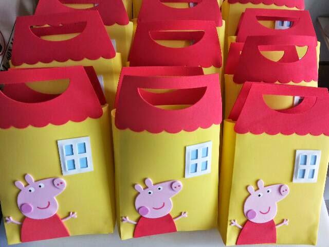 1777c51b5 De A a Z Festas: Sacola Surpresa Peppa Pig
