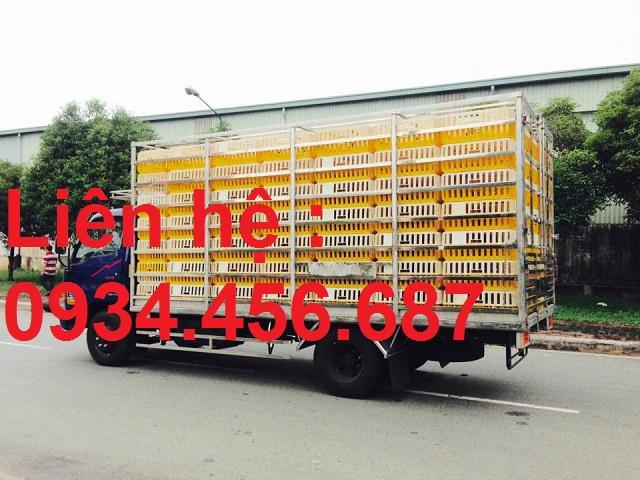 Xe tải Hyundai HD120sl chở gà vịt