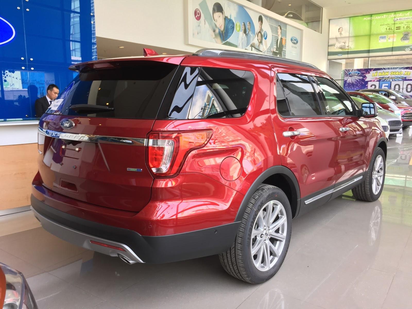 Động cơ xe Ford Explorer 2018 Màu Đỏ 08