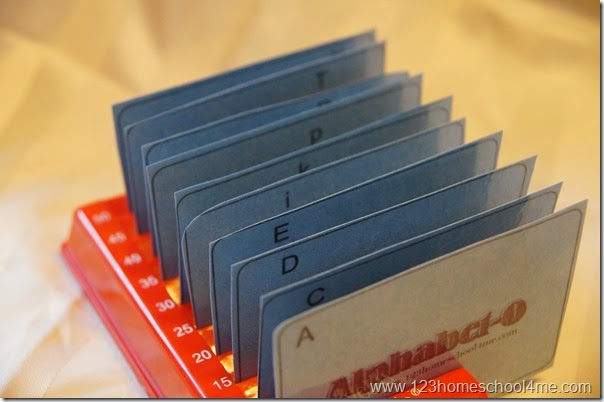 Alphabet -O - An alphabetizing game for kids