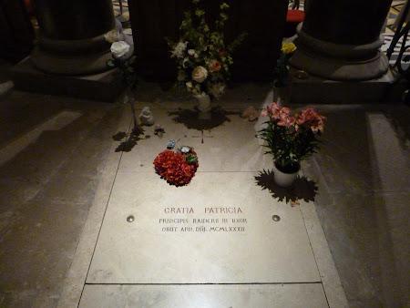Catedrala din Monte Carlo: Mormant Grace Kelly