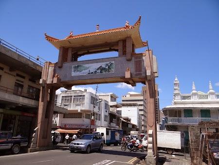 Poarta Chinatown Port Louis
