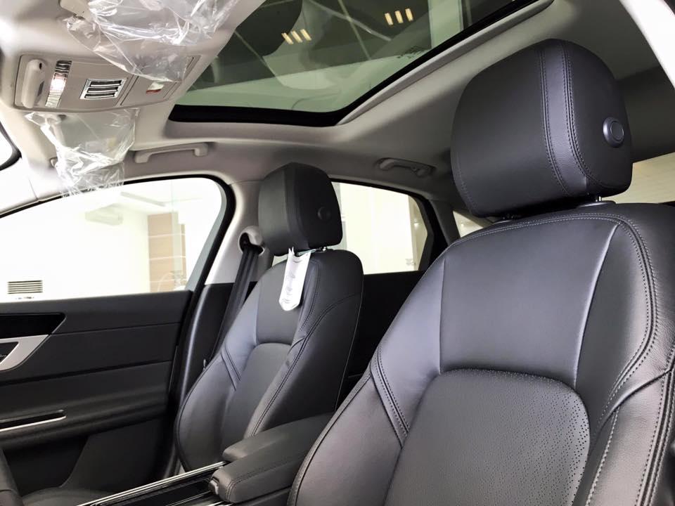 Giá xe Jaguar XF New Model 06