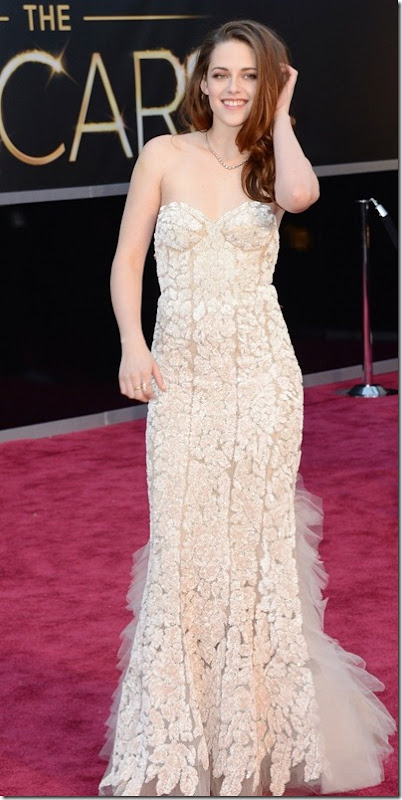 2013 Oscar's Best Beauty Hits... And Some Misses~Kristen Stewart