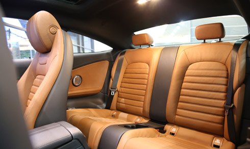 xe Mercedes Benz C300 Coupe 011
