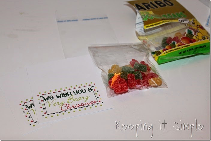 Neighbor gift idea- Sour gummy bears with printable tag (4)