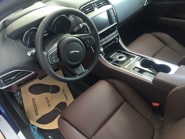 Nội thất xe Jaguar XE Prestige Nhập Khẩu 02