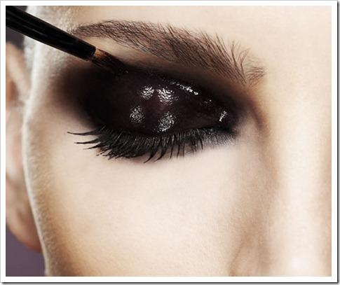 29082012010620gloss-nos-olhos-moda-maquiagem-c