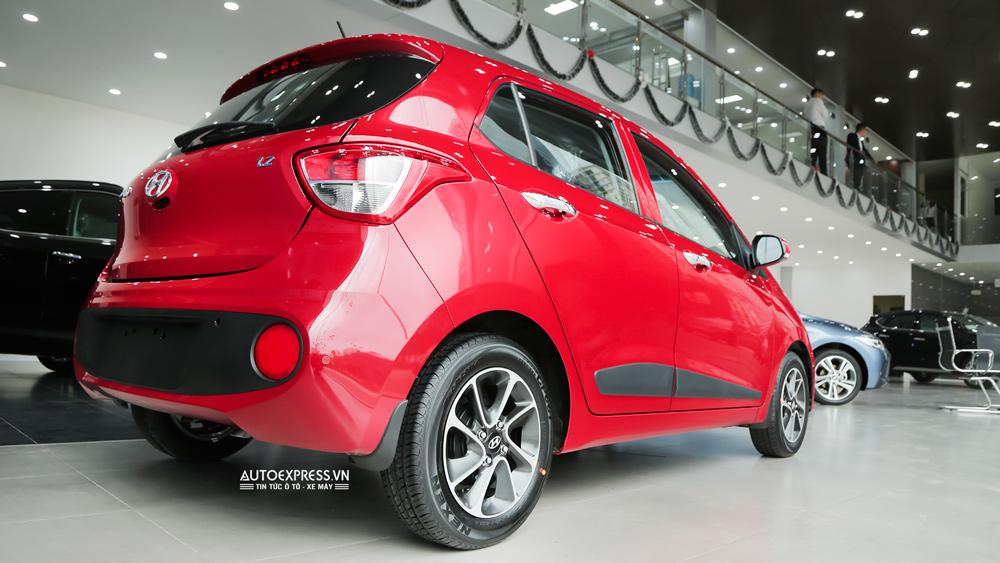 Xe Hyundai Grand i10 2018 màu đỏ 07