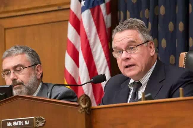 Ông Chris Smith, đồng chủ tịch của Ủy ban Điều hành Quốc hội về Vấn đề Trung Quốc (CECC).