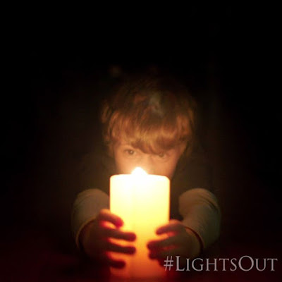 Nothing is clear when the lights go out LightsOut hits theaters this