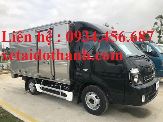 Giá xe Kia K200 thùng kín lăn bánh