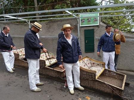 10. Tragatorii de sanie din Funchal, Madeira.JPG